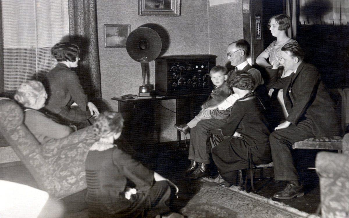 INFOWAR RADIO
