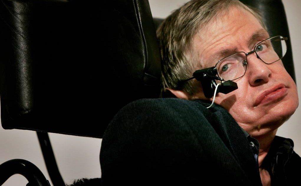 Stephen-Hawking-2013