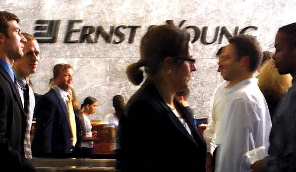 003_ernst_young