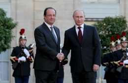 francois_hollande_and_vladimir_putin_at_the_elysee_palace