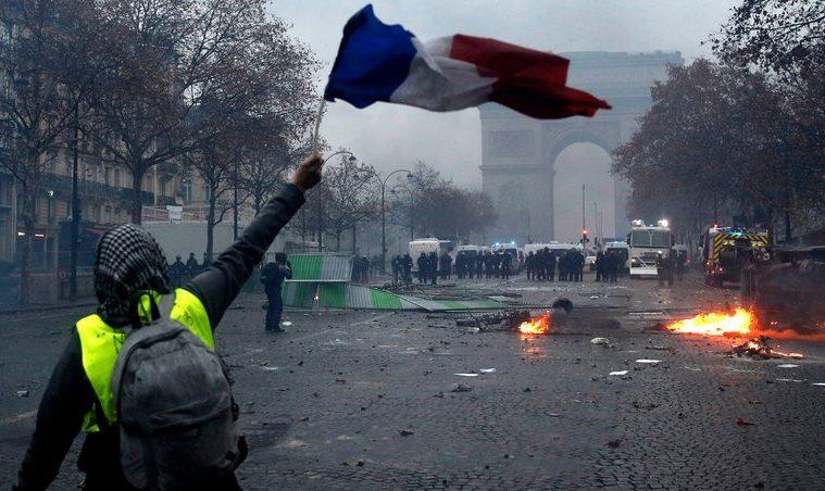 paris riots κίτρινα γιλεκα