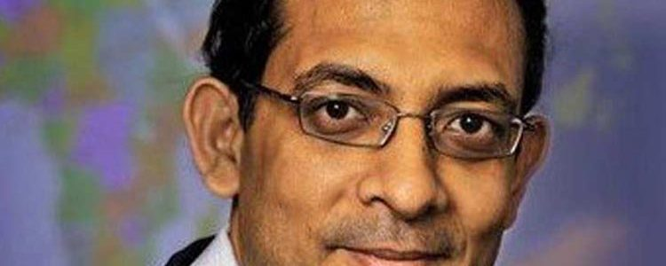 Νόμπελ Οικονομίας στον Ινδό οικονομολόγο Αμπιτζίτ Μπανερτζί