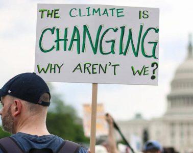Τα κέρδη αυξάνουν την παγκόσμια θερμοκρασία