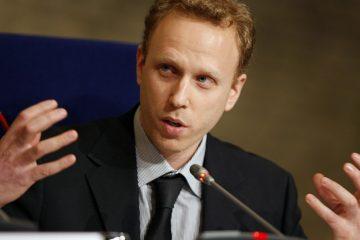 συνέλαβαν τον δημοσιογράφο που αποκάλυψε τον Γκουαϊδό και το πραξικόπημα στη Βενεζουέλα
