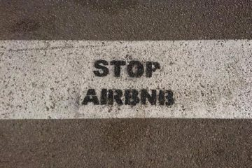 stop Airbnb Παρίσι
