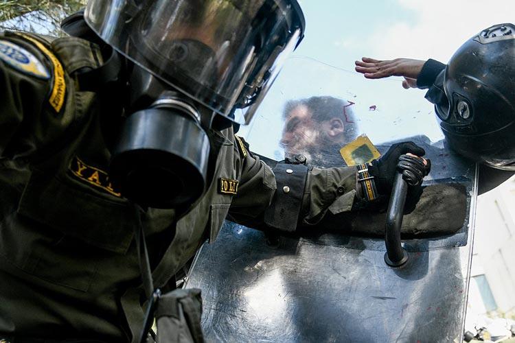 ελληνική αστυνομία ματ μπάτσοι