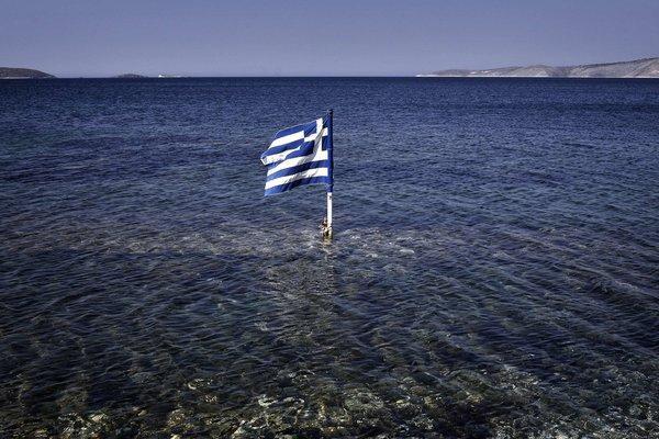 ελληνική σημαία εθνικισμός στη θάλασσα πατριωτόμετρο