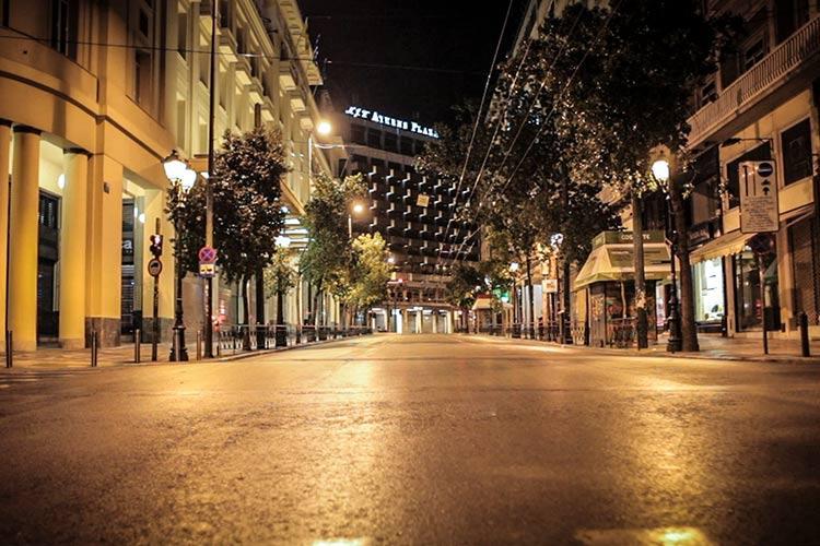 άδειοι δρόμοι Αθήνα απαγόρευση κυκλοφορίας