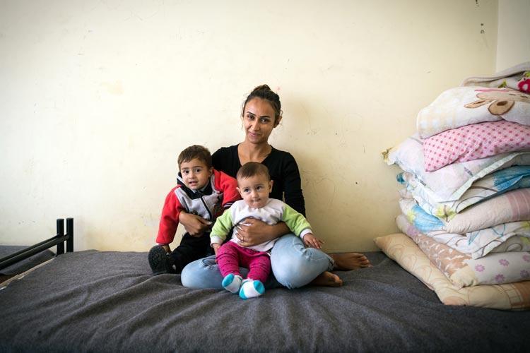 αιτούντες άσυλο χρήματα πρόσφυγες