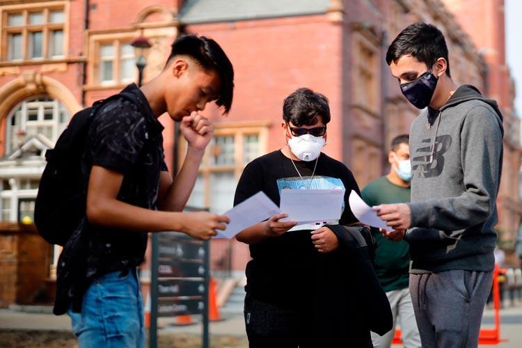 αγγλία ταξικός αλγόριθμος σχολεία μαθητές εξετάσεις