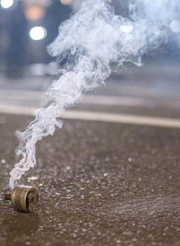 χρήση χημικών ΗΠΑ μήνυση περιβαλλοντικές οργανώσεις δακρυγόνα διαδηλώσεις