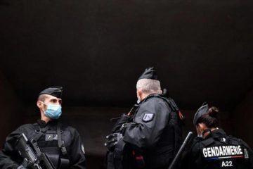 Δεναξά Γαλλία Μακρόν κορονοϊός αστυνομοκρατία καταστολή