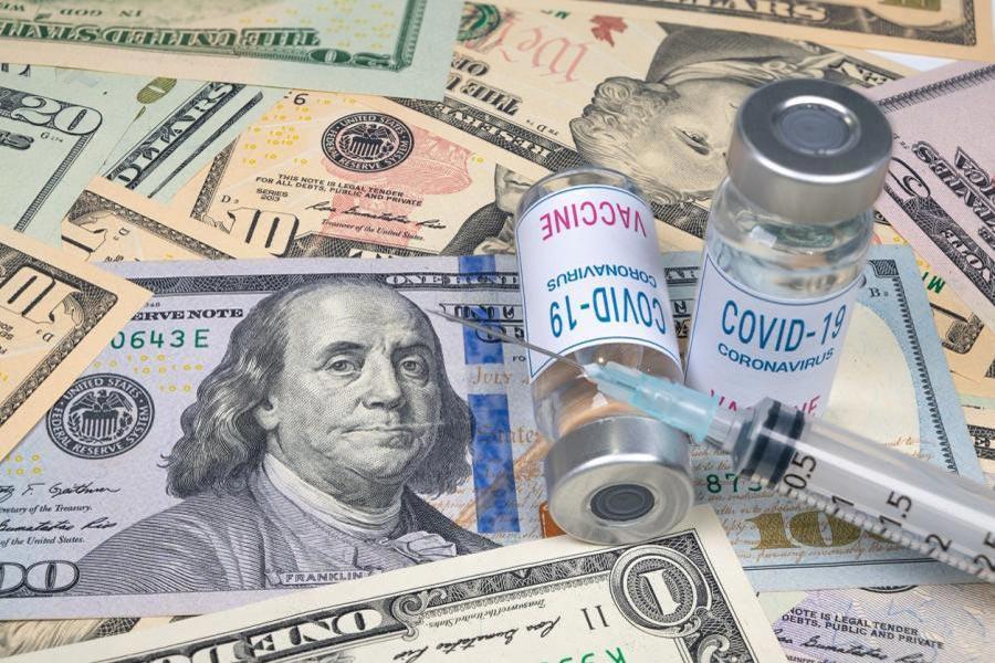 https://info-war.gr/wp-content/uploads/2021/02/covid_vaccine_and_cash.jpg