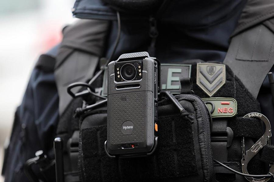 INFO-VIDEO ΕΛ.ΑΣ. βία κάμερες ενημέρωση δημοσιογράφοι φωτορεπόρτερ