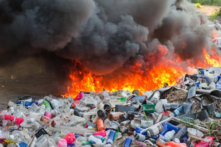 απορρίμματα, σκουπίδια, καύση