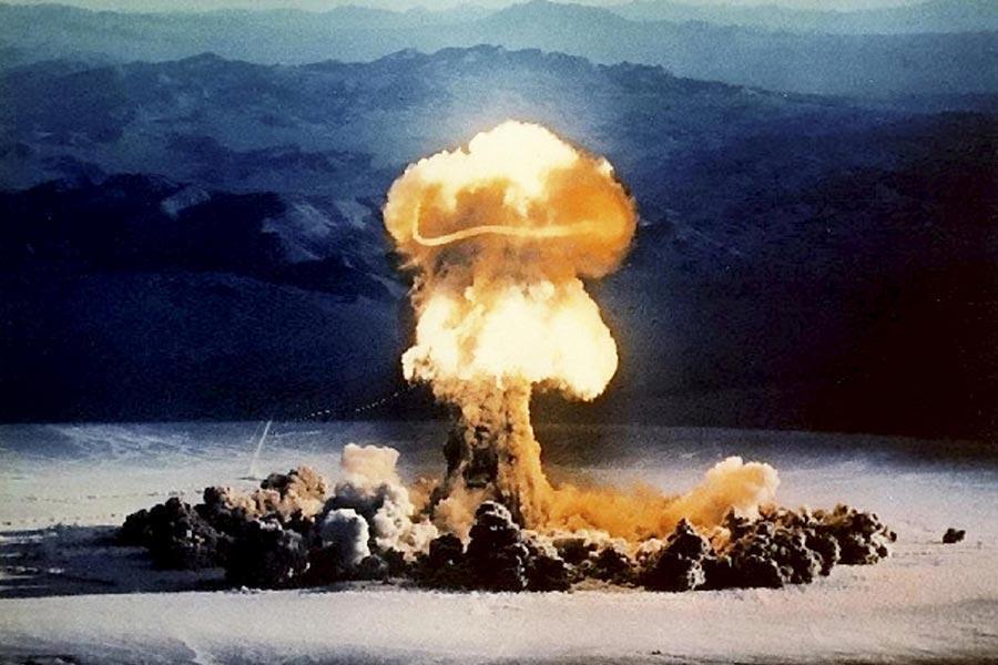 https://info-war.gr/wp-content/uploads/2021/06/nuclear-bomb.jpg